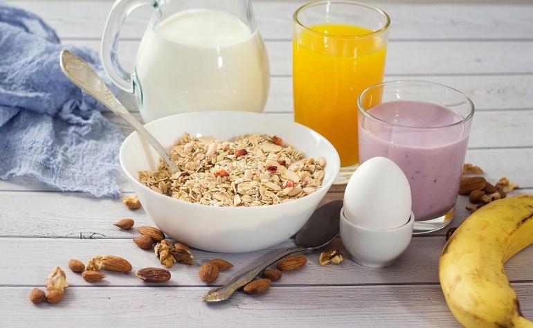 Micul dejun 3